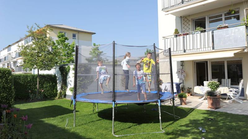 Spielende Kinder Im Garten 29 6 2020 Ergo Group Ag